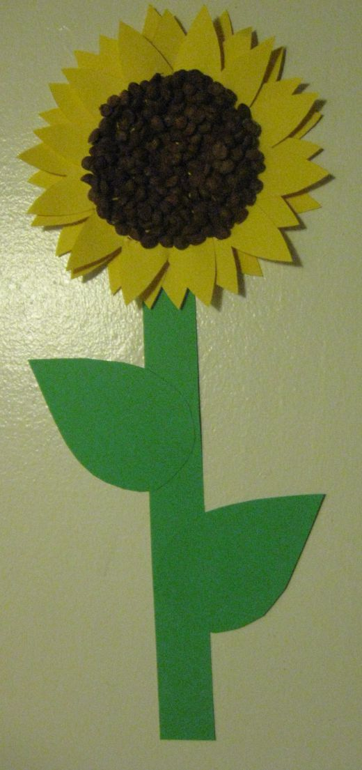 5 best images of sunflower center cut out template for Preschool flower crafts templates